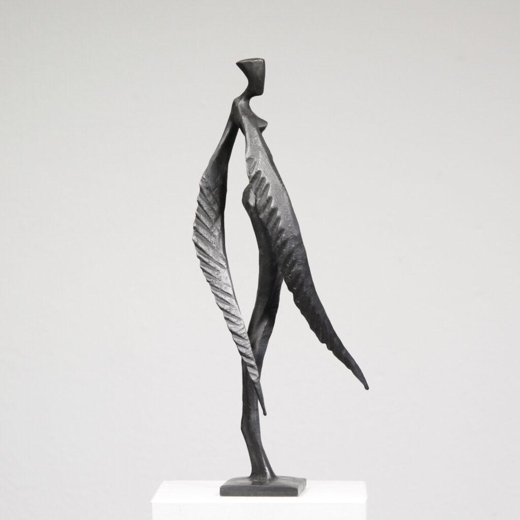 Eine Bronze-Skulptur des Künstlers Nando Kallweit